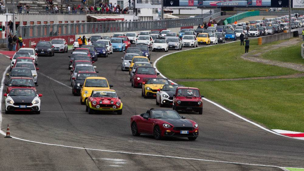 Circuito Varano De Melegari : Autodromo varano de melegari parma unical reparto corse