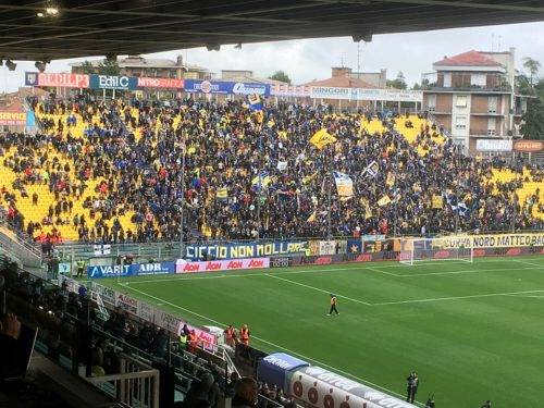VIDEO: la festa salvezza sotto la curva nord